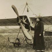 UN POIL Clémentine avion
